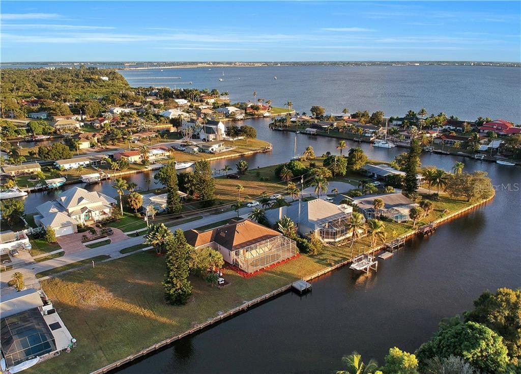 164 BALDWIN COURT SE Property Photo - PORT CHARLOTTE, FL real estate listing