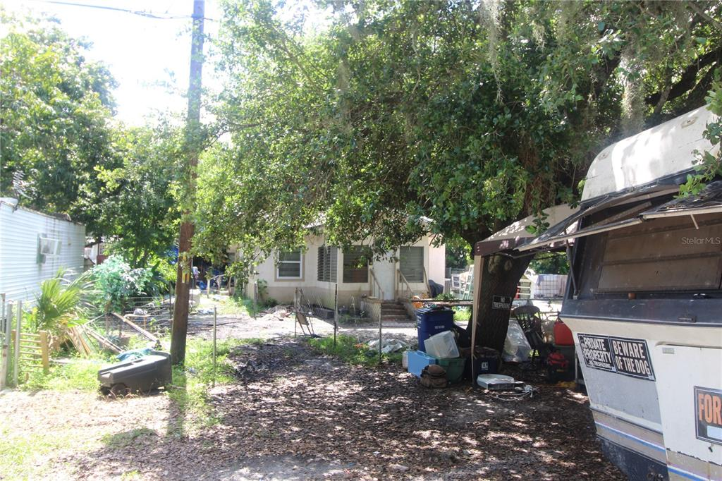 1174 River Road Property Photo