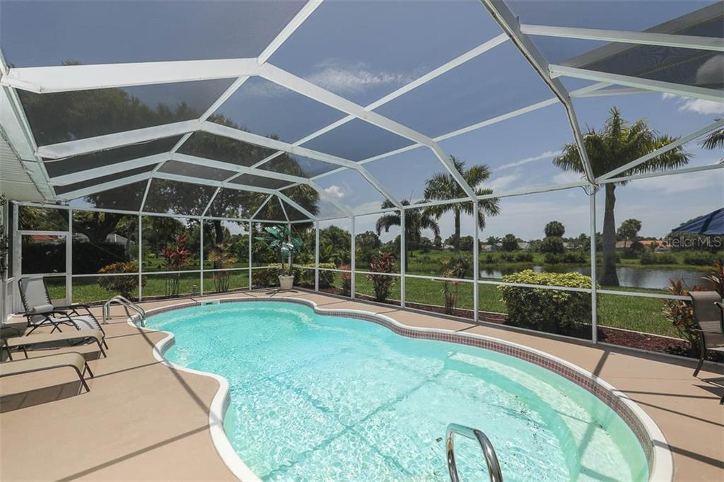 576 ROTONDA CIRCLE Property Photo - ROTONDA WEST, FL real estate listing