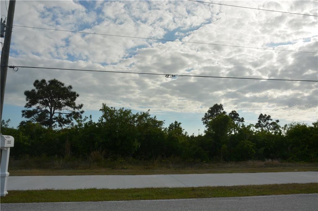13563 Keystone Boulevard Property Photo