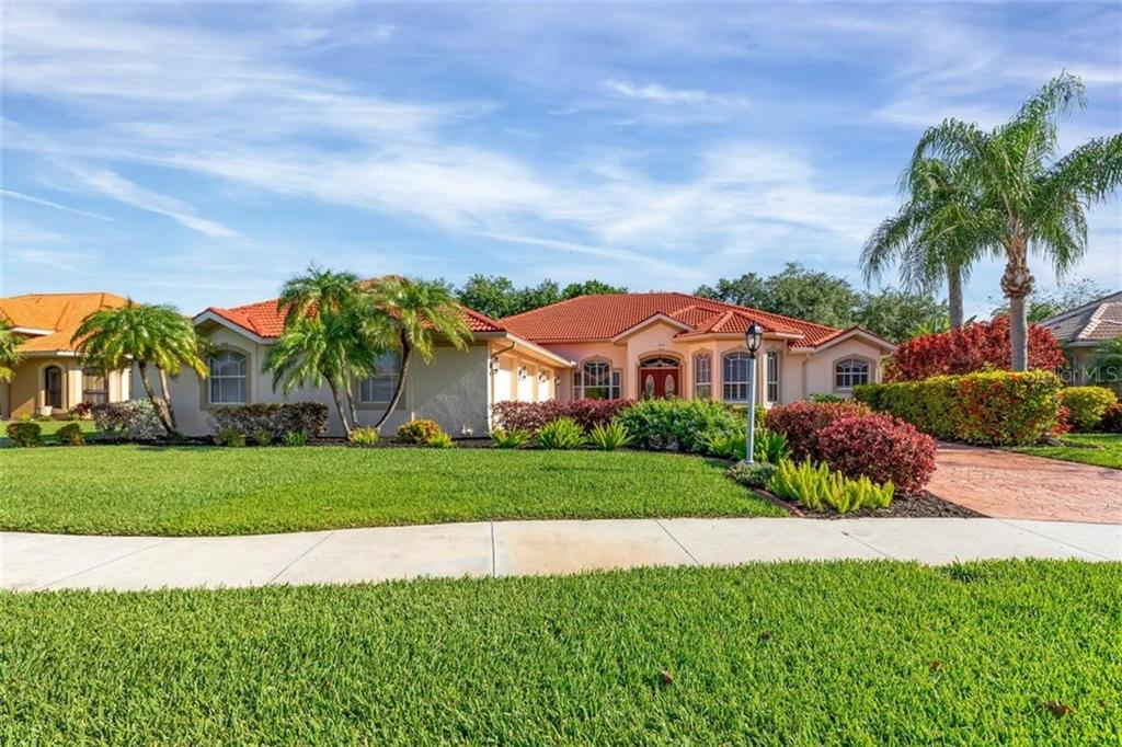 1750 Queen Palm Way Property Photo