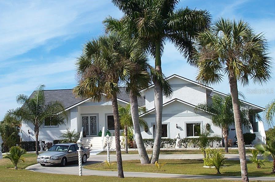 1301 Bayshore Drive Property Photo 1
