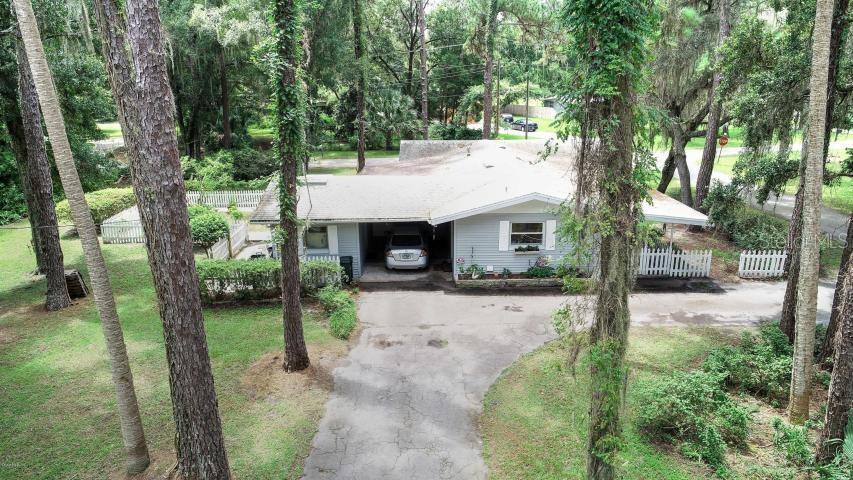 19934 Oak St Property Photo