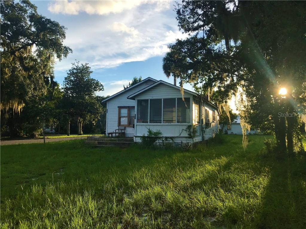 438 N PARK AVE Property Photo