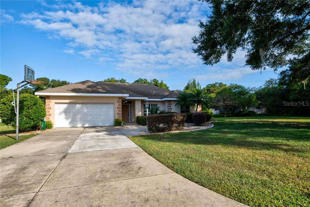 13629 JEREMY PL Property Photo - GRAND ISLAND, FL real estate listing