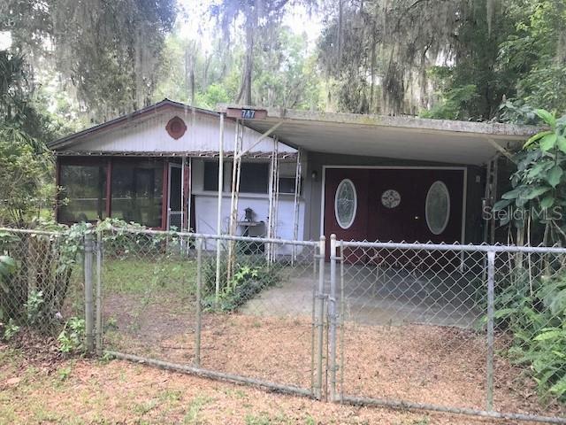 747 CR 485A Property Photo - LAKE PANASOFFKEE, FL real estate listing