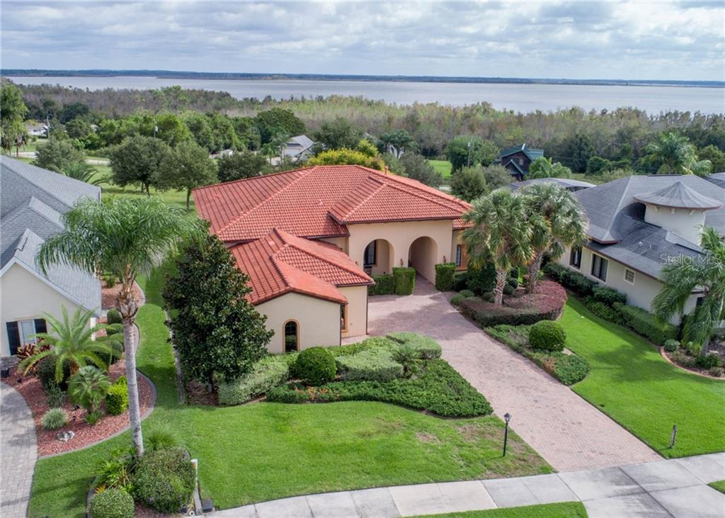 38716 OAK PLACE CT Property Photo - LADY LAKE, FL real estate listing