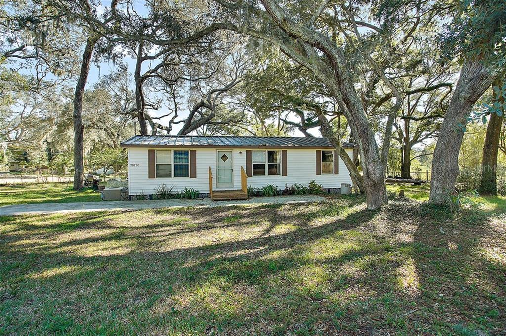28294 SE 174TH PLACE Property Photo - UMATILLA, FL real estate listing