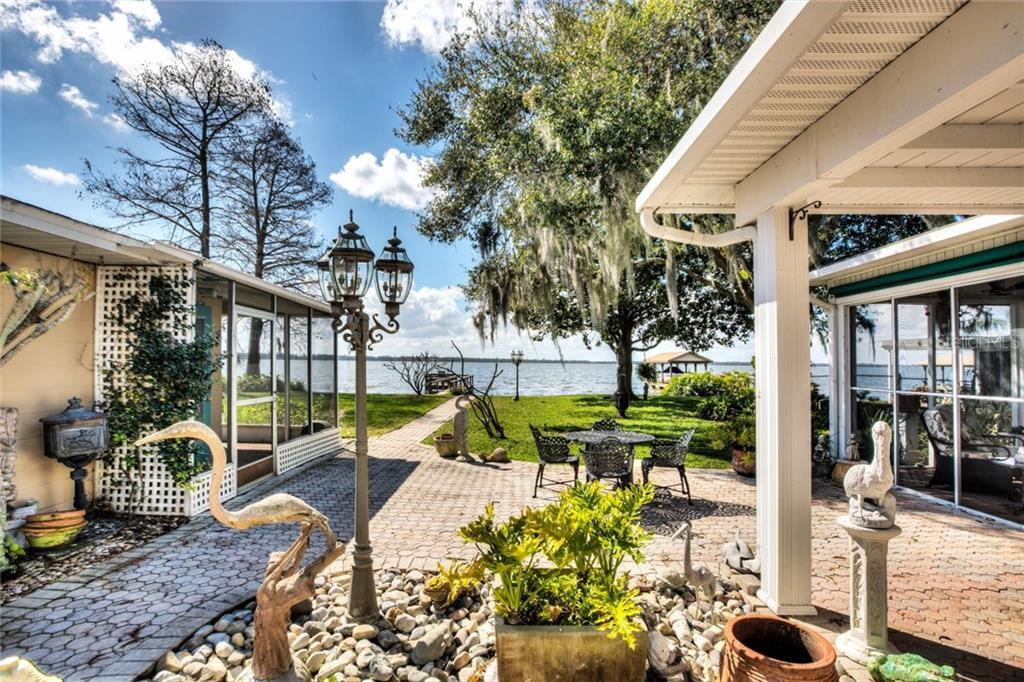 32651 LAKESHORE DR DR Property Photo - TAVARES, FL real estate listing