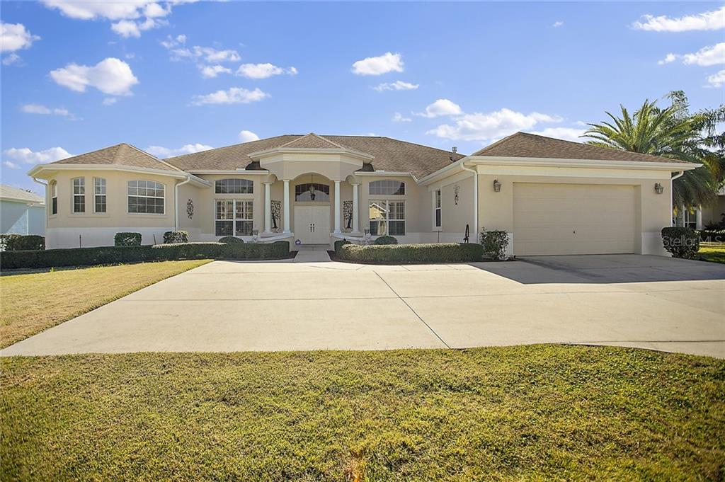 1011 RUSSELL LOOP Property Photo - THE VILLAGES, FL real estate listing