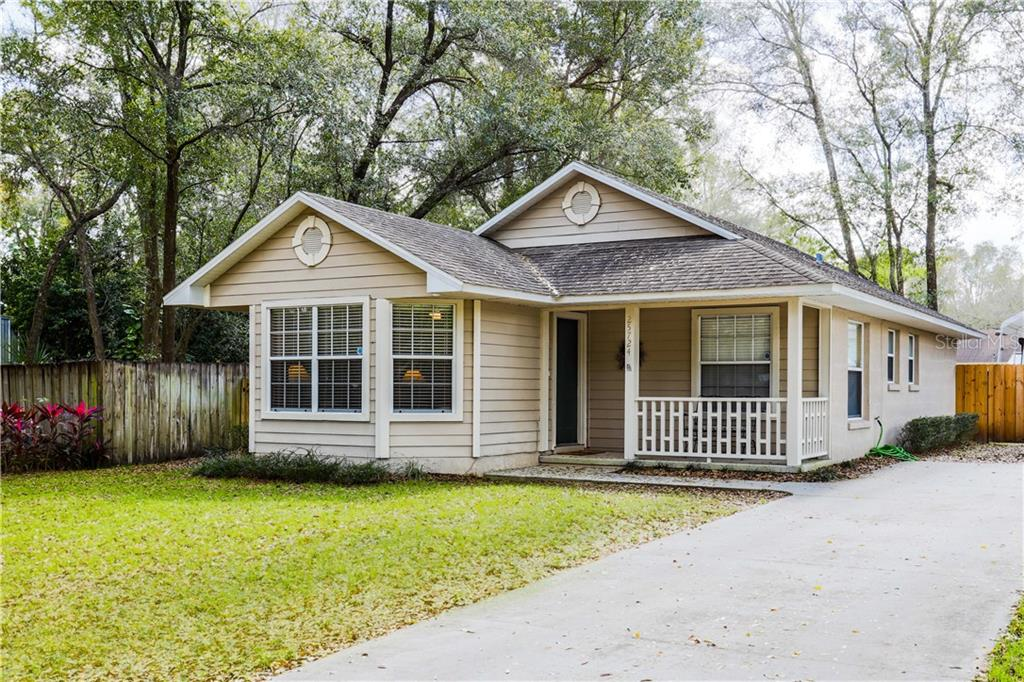 25724 ABERDOVEY AVE Property Photo - MOUNT PLYMOUTH, FL real estate listing