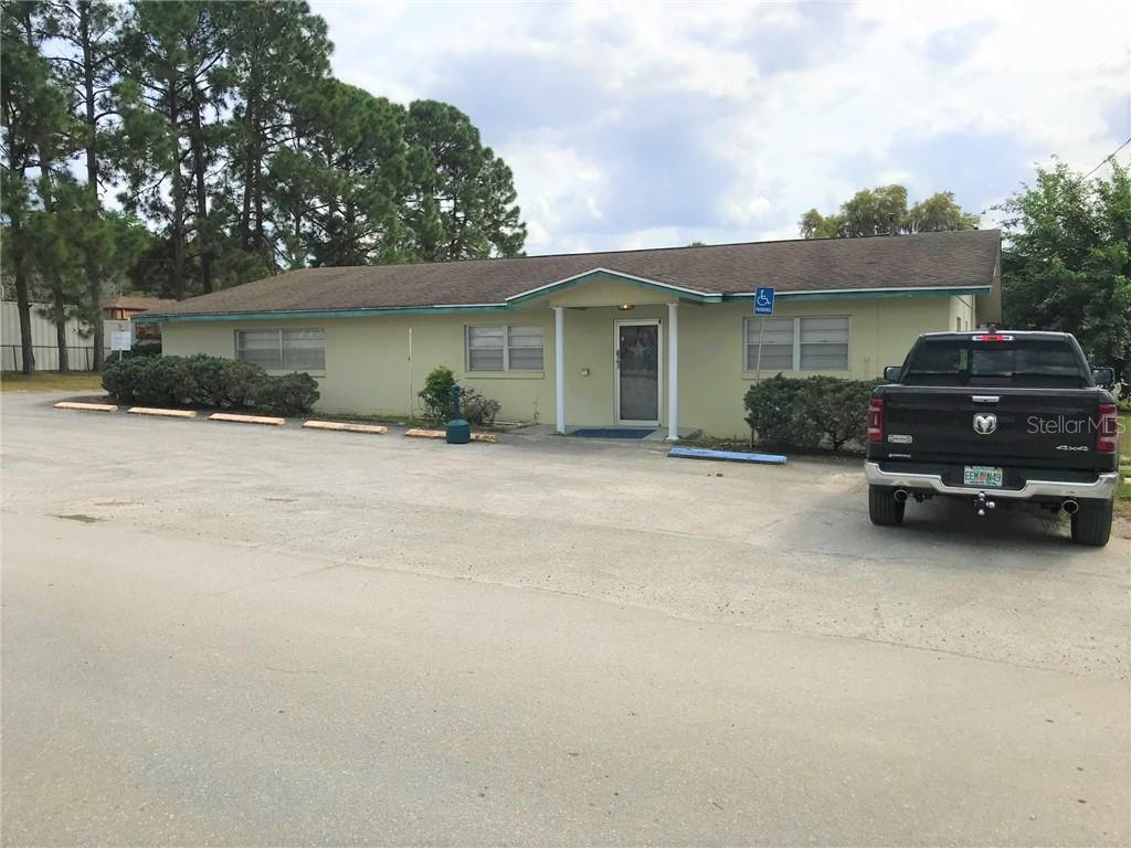 712 CENTRAL AVE Property Photo - COLEMAN, FL real estate listing