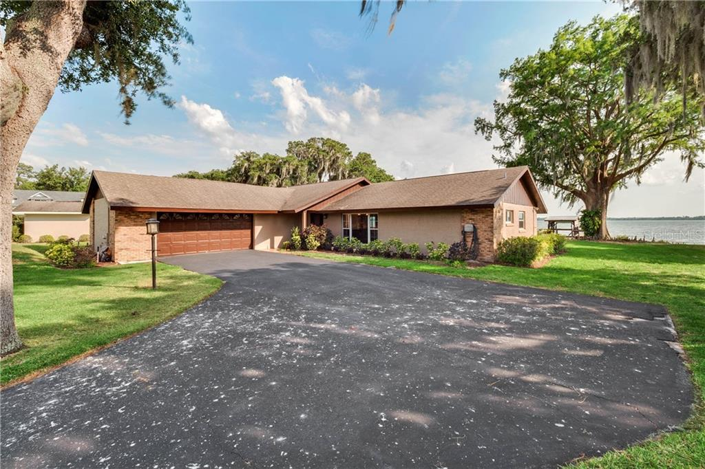 33817 LAKESHORE DR Property Photo - TAVARES, FL real estate listing