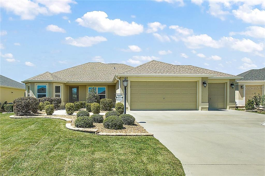 3094 HUTCHESON WAY Property Photo - THE VILLAGES, FL real estate listing
