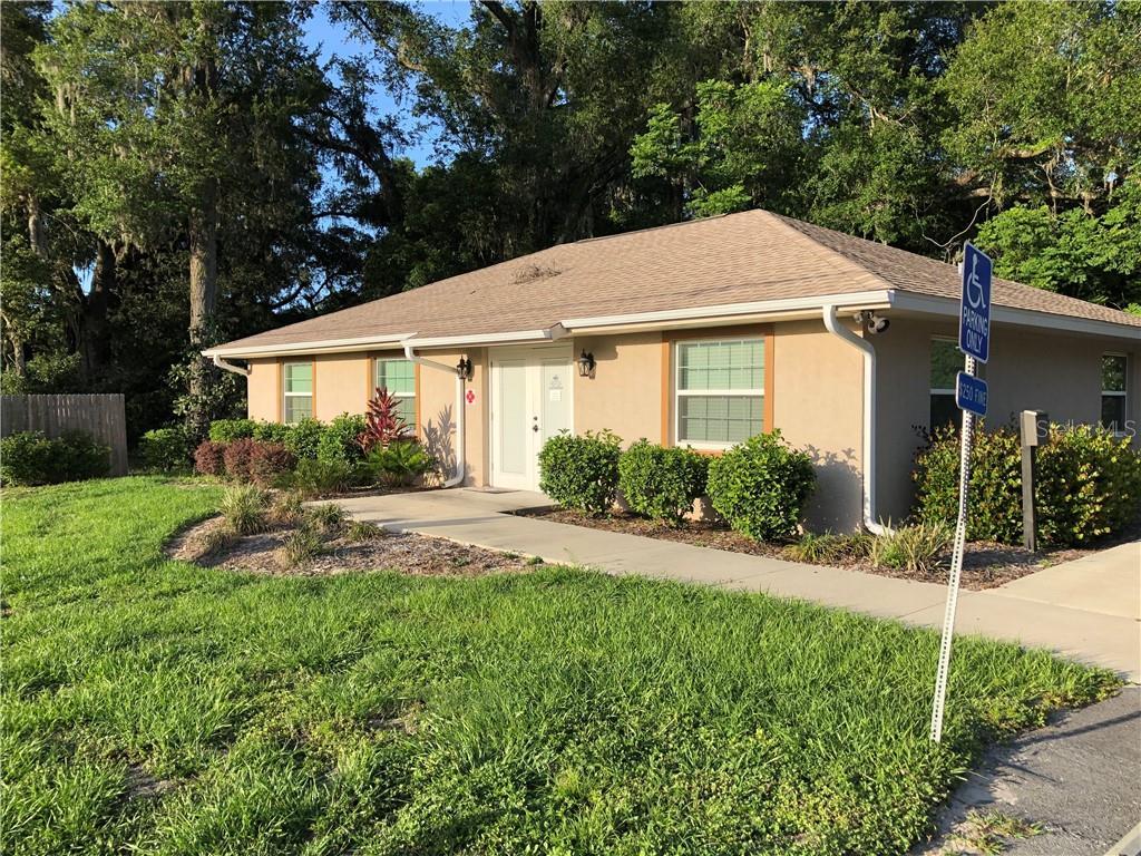 12205 N US HIGHWAY 301 Property Photo - OXFORD, FL real estate listing
