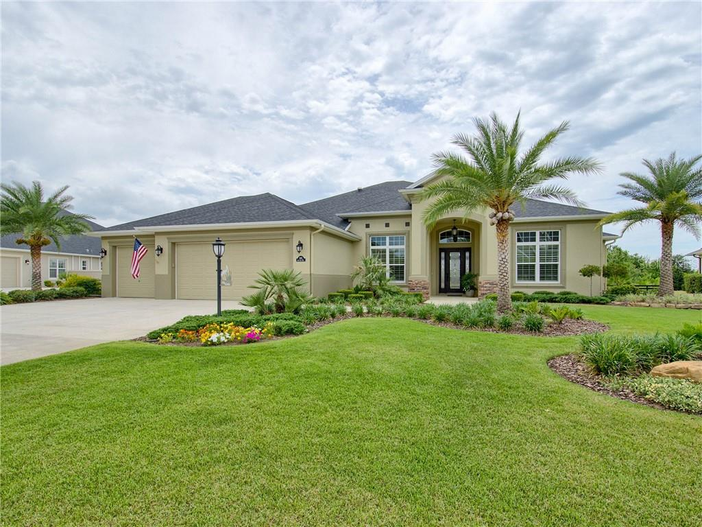 945 IRON OAK WAY Property Photo - THE VILLAGES, FL real estate listing