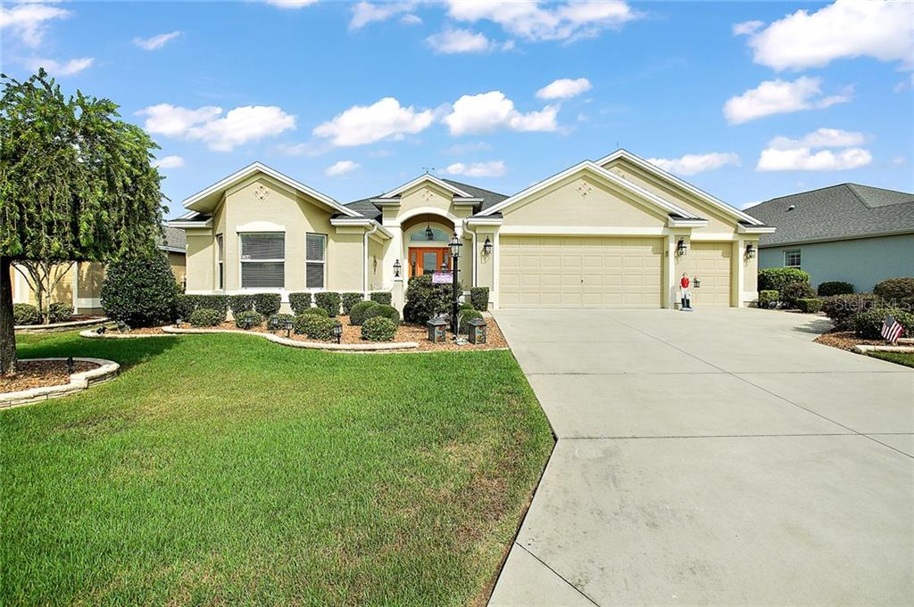 3064 TWISTED OAK WAY Property Photo - THE VILLAGES, FL real estate listing