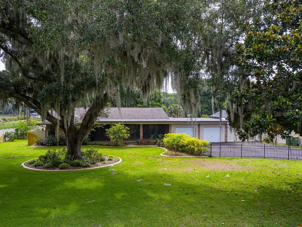 1516 Park Dr Property Photo