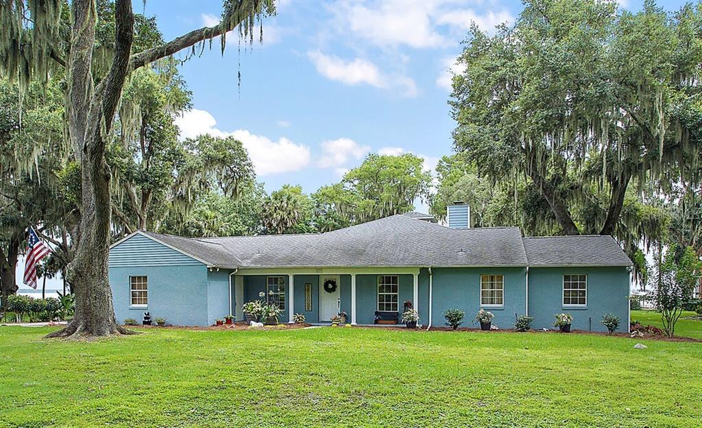 411 Oak Hammock Ln Property Photo