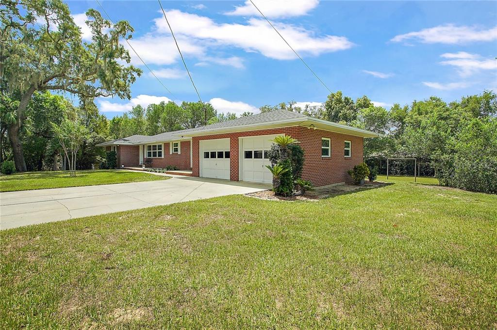 1700 LINDALE AVE Property Photo - EUSTIS, FL real estate listing
