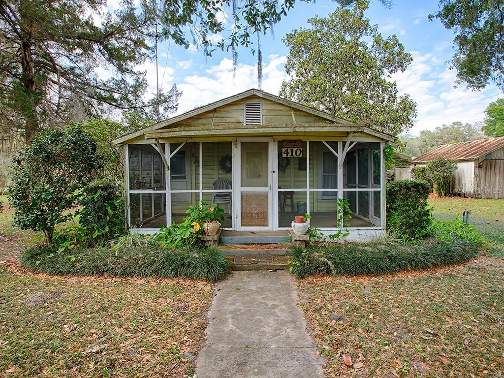 410 W JEFFERSON ST Property Photo - CENTER HILL, FL real estate listing