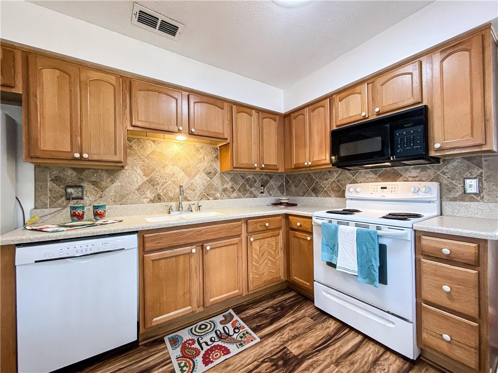 1042 Cr 463 Property Photo