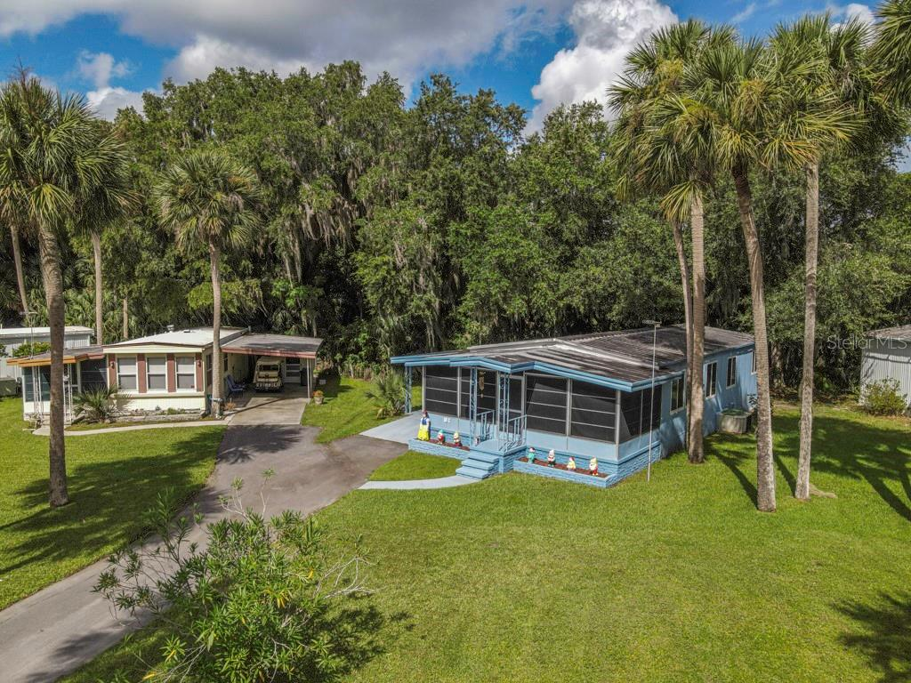 10 COCOS PLUMOSA DR #C Property Photo - EUSTIS, FL real estate listing