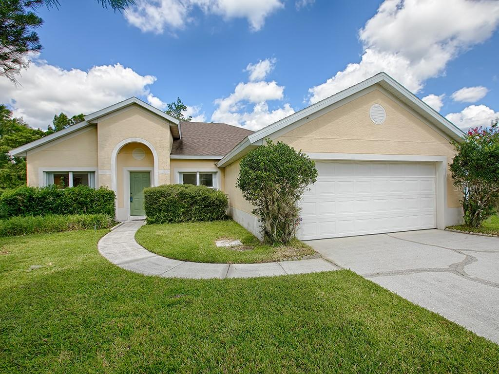 Aloma Woods Ph 1 Real Estate Listings Main Image