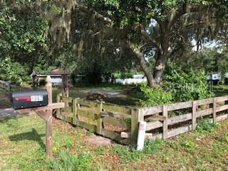 1035 CR 467 Property Photo - LAKE PANASOFFKEE, FL real estate listing