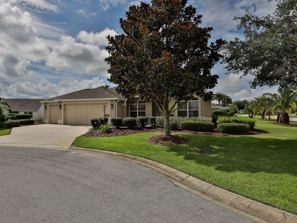 2491 MONROE TERRACE #137 Property Photo - THE VILLAGES, FL real estate listing
