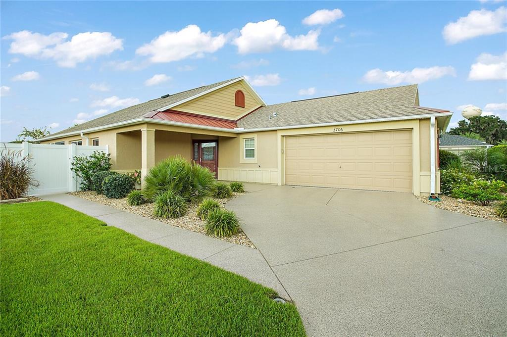 3706 ROBERTSON WAY Property Photo - THE VILLAGES, FL real estate listing