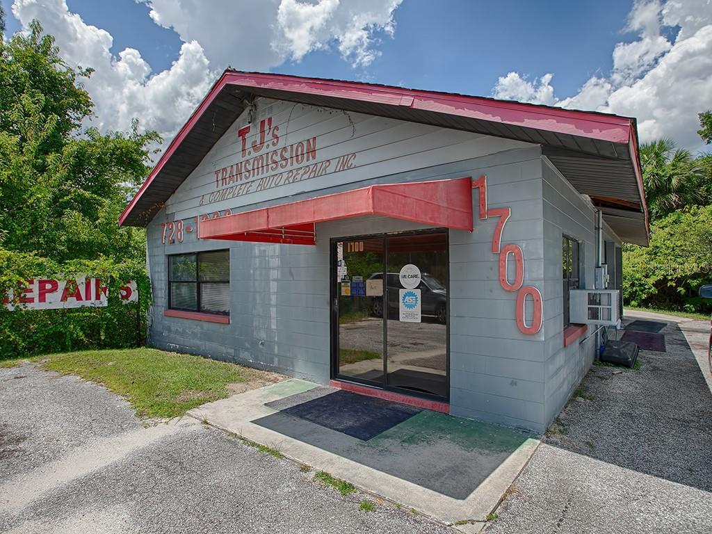 1700 US HWY 441 Property Photo