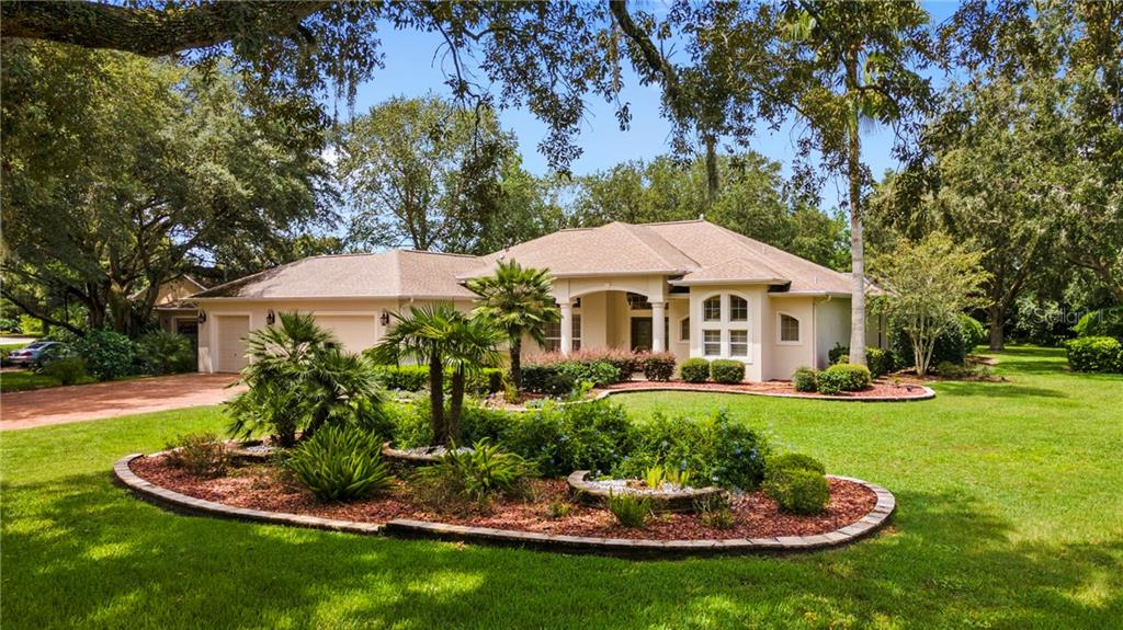 2801 LARRANAGA DRIVE Property Photo - THE VILLAGES, FL real estate listing