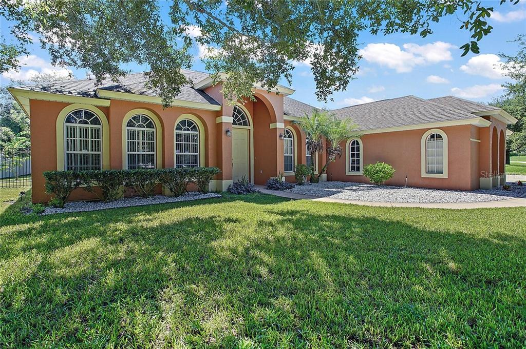 13534 OAK BEND DRIVE Property Photo - GRAND ISLAND, FL real estate listing