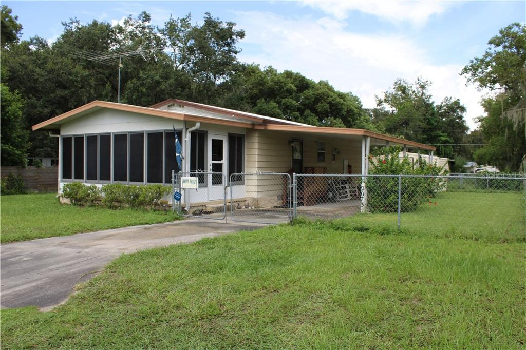 2073 NW 11TH WAY Property Photo - LAKE PANASOFFKEE, FL real estate listing