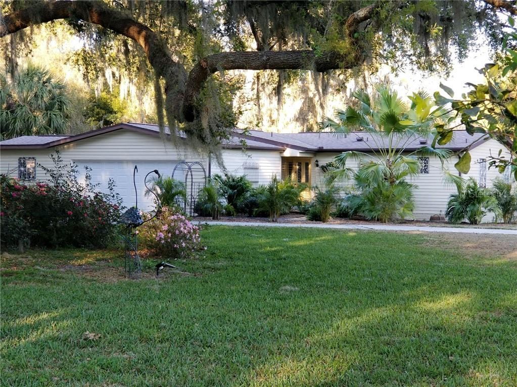 6 HICKORY HEAD HAMMOCK Property Photo - THE VILLAGES, FL real estate listing