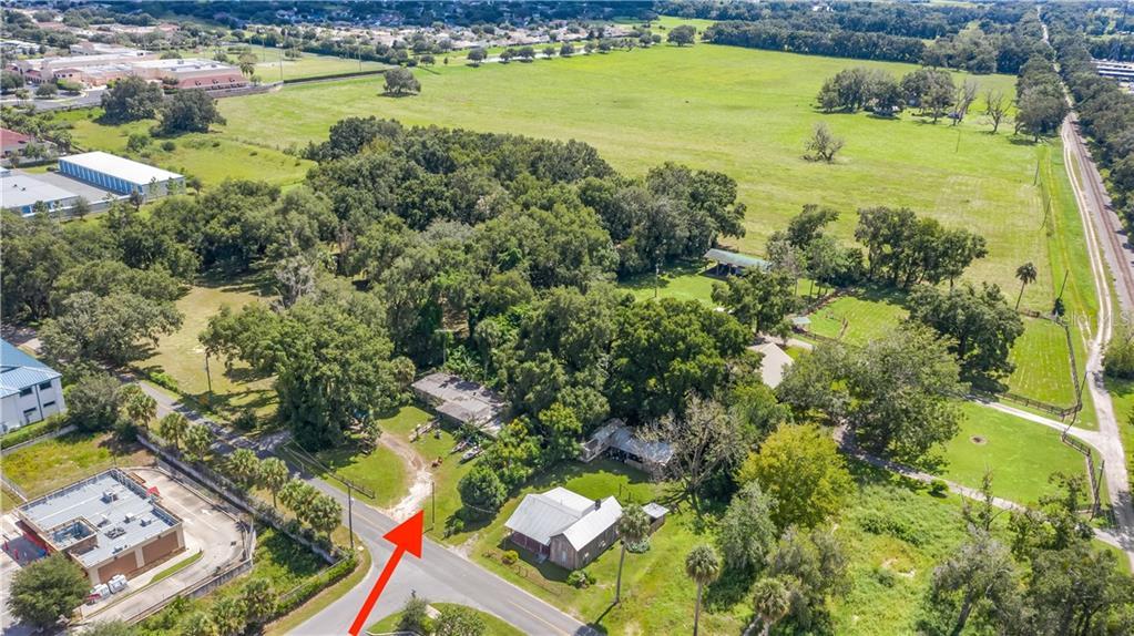 4265 COUNTY ROAD 106 Property Photo - LADY LAKE, FL real estate listing