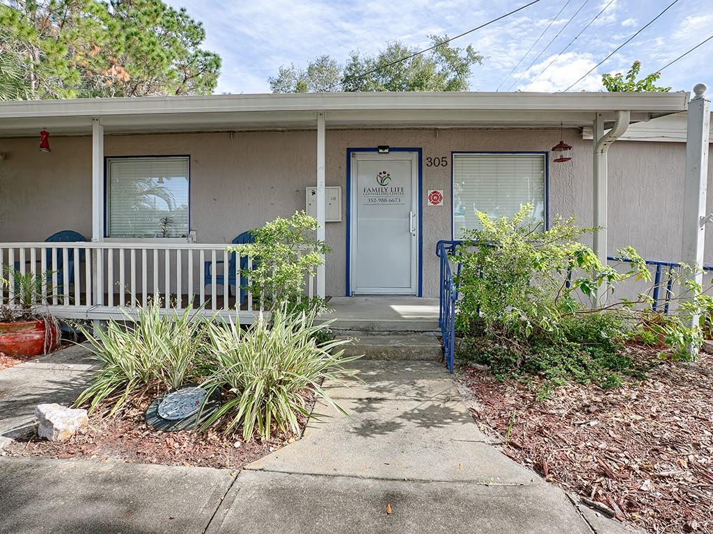 303 E MAIN STREET Property Photo - TAVARES, FL real estate listing