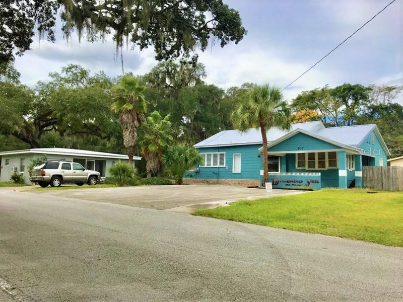 107 Banana Street Property Photo