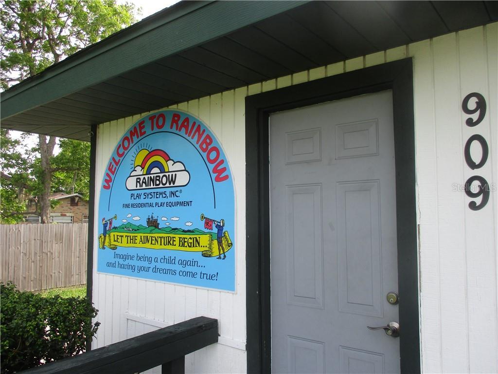 909 Sw 10th Street Property Photo