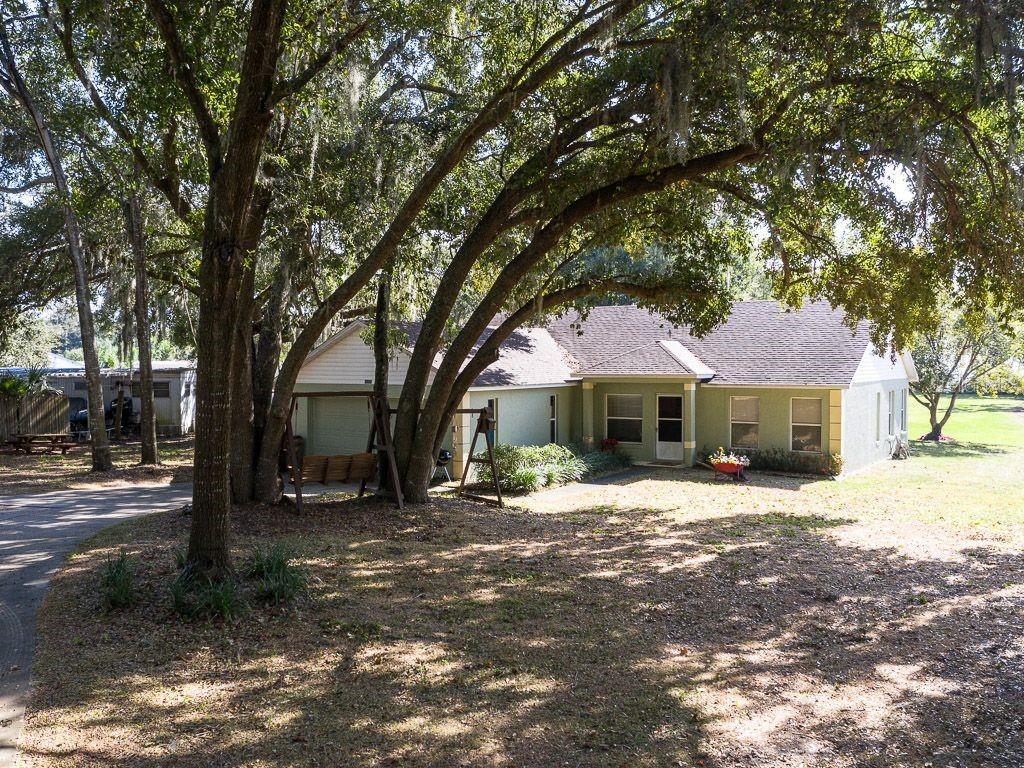 10320 BUMBLEBEE LANE Property Photo - LEESBURG, FL real estate listing