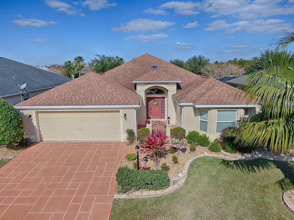 569 BEVILLE PLACE Property Photo - THE VILLAGES, FL real estate listing