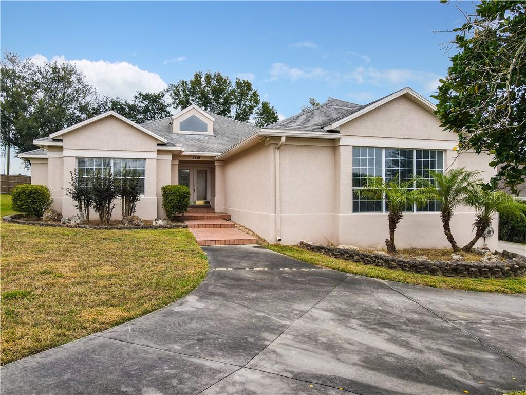 2819 MERIDIAN POINT LANE Property Photo - LAKELAND, FL real estate listing