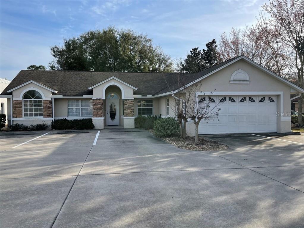 18560 US HIGHWAY 441 Property Photo - MOUNT DORA, FL real estate listing