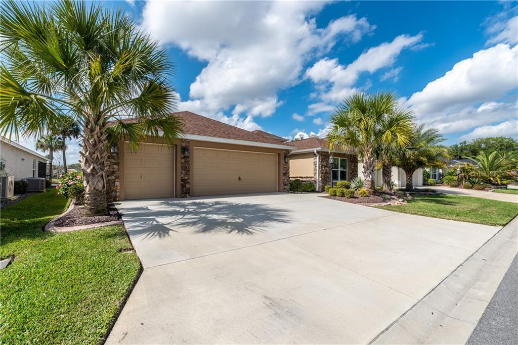 3130 SPANISH MOSS WAY Property Photo - THE VILLAGES, FL real estate listing