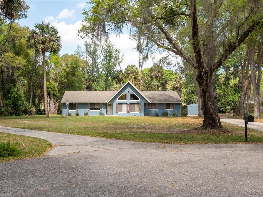 102 TUSCAWILLA ROAD N Property Photo - SAN MATEO, FL real estate listing