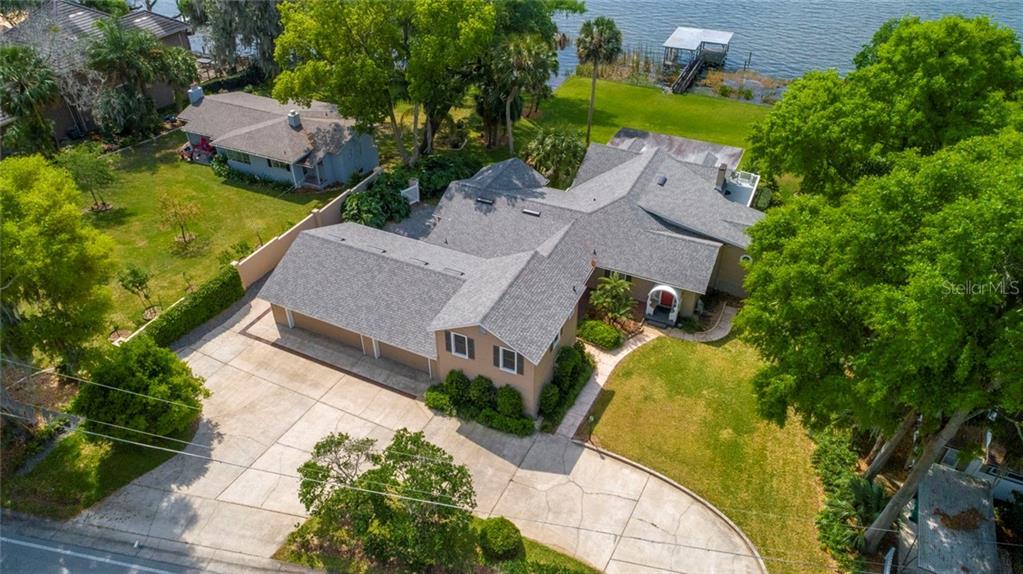 1330 LAKESHORE DRIVE Property Photo - MOUNT DORA, FL real estate listing