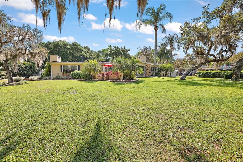 9511 SILVER LAKE DRIVE Property Photo - LEESBURG, FL real estate listing