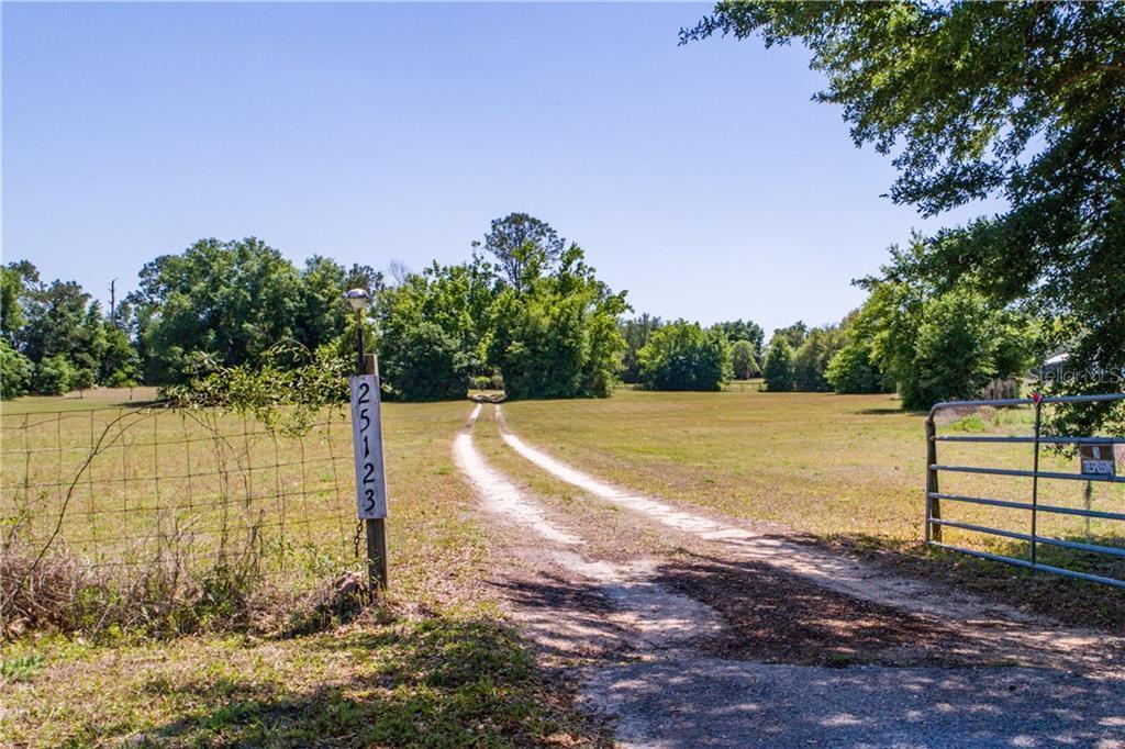 25123 JAMES WAY Property Photo - EUSTIS, FL real estate listing