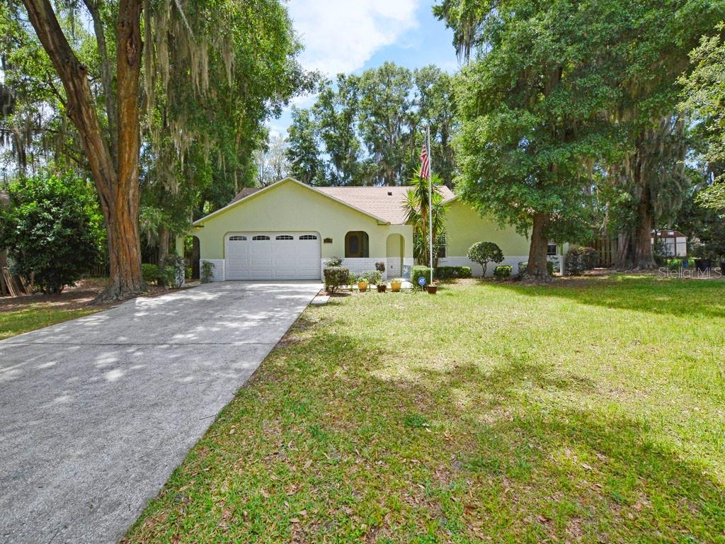 36239 BRENDENSHIRE COURT Property Photo - GRAND ISLAND, FL real estate listing